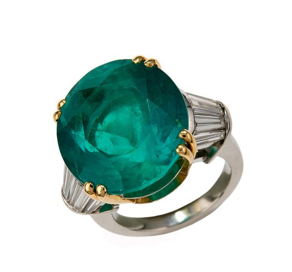 bague-emeraude---art-curial.jpg