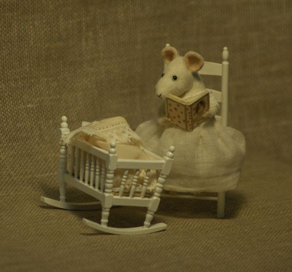 fadeeva-mouse-cradle1.jpg