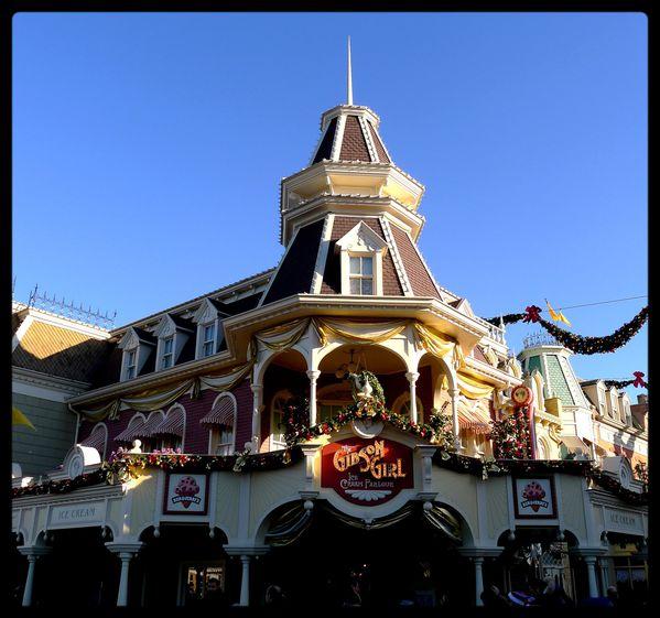 Disneyland-Paris-Noel-decorations--51-.JPG