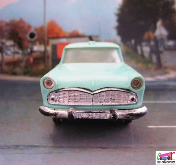 simca-marly-ambulance-norev-plastique (2)