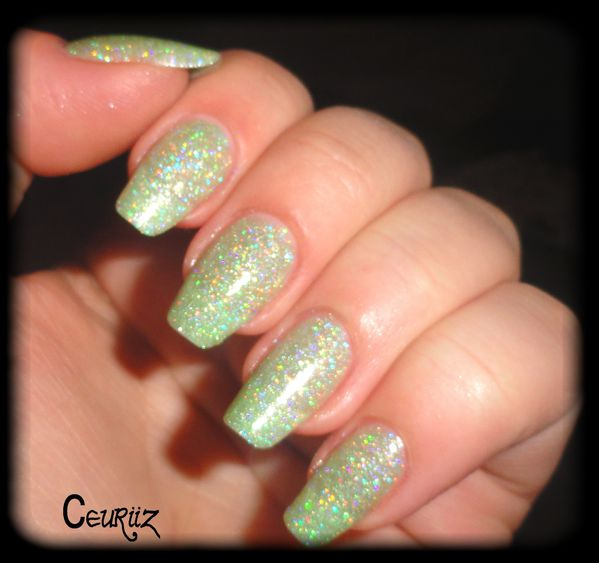 holo green swatch23