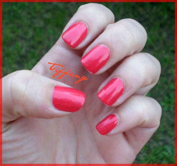 Ongles-10.04.11-Fire-Corail--3-.JPG