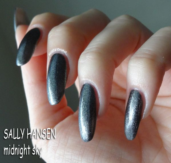 SALLY-HANSEN-midnight-sky-01.jpg