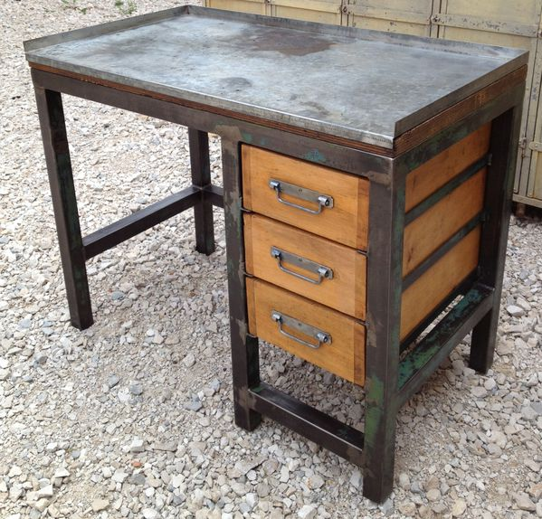 etabli bureau metal 3 tiroirs bois 1950 patine mettetal industry design industriel du 20eme. Black Bedroom Furniture Sets. Home Design Ideas