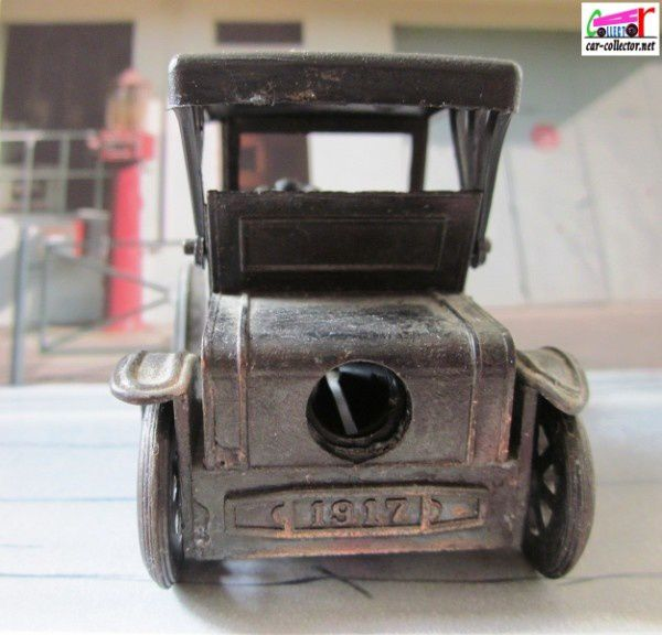 taille-crayon-ford-model-t-1917-laiton-pencil-sharpener-ant