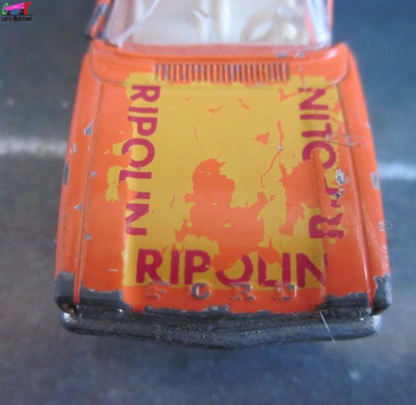 Ford capri 1700 gt peintures ripolin siku 1 64 car for Peintures ripolin