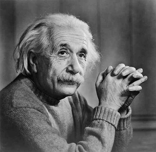 Albert_Einstein_by_Yousuf_Karsh--1948.jpg