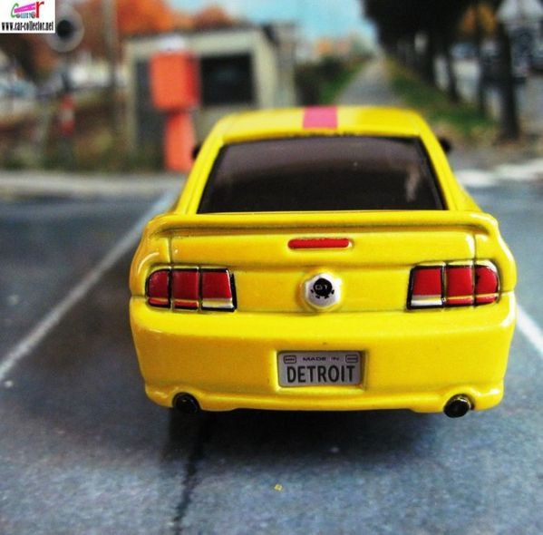 ford mustang gt 2006 burago plaque detroit (3)