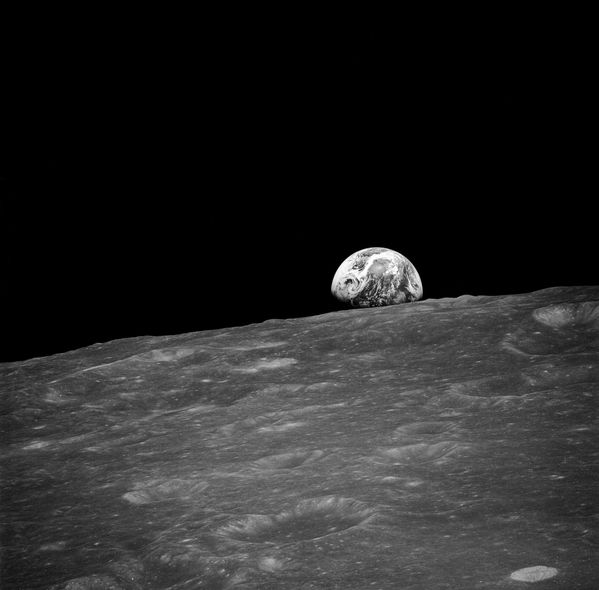 NASA - Earth Rise - Apollo 8 - as08-13-2329