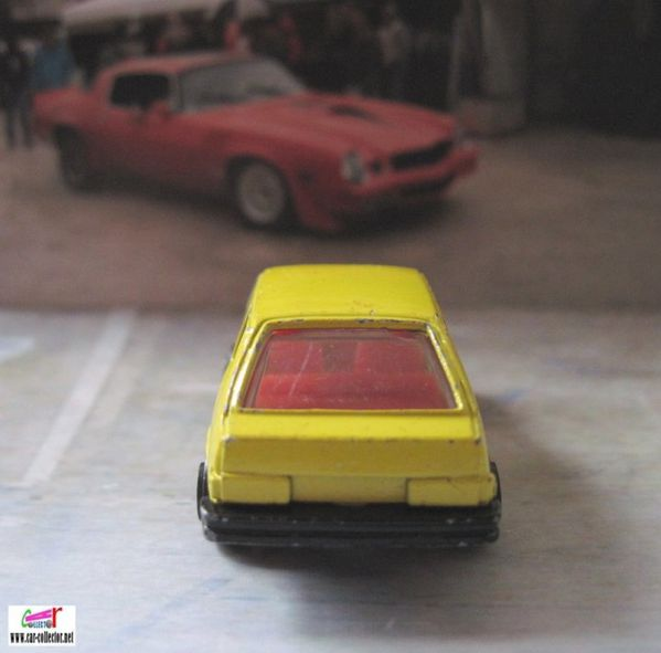 volvo 343 yellow jaune playart