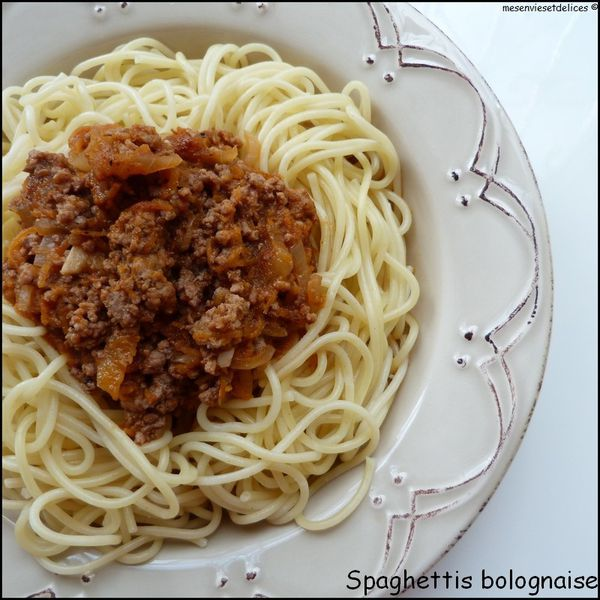 spaghettis bolognaise viande hach e de boeuf sauce tomate mes envies et d lices. Black Bedroom Furniture Sets. Home Design Ideas