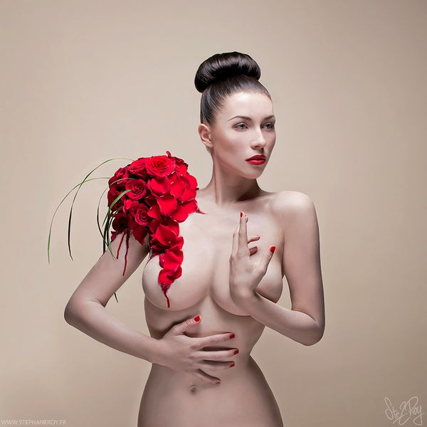 Kay Morgan-in-Cannibal Flowers-by-Stephane Roy