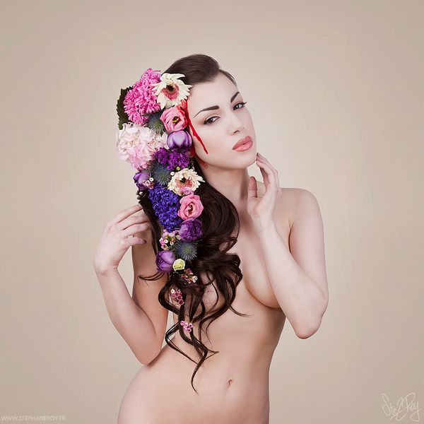 Morgana-in-Cannibal-Flowers-by-Stephane Roy-2