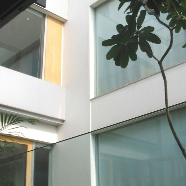 1285339916-courtyard-1000x1000