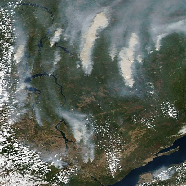 Aqua - MODIS - Russie - Incendies Irkoutsk- 18-05-2014