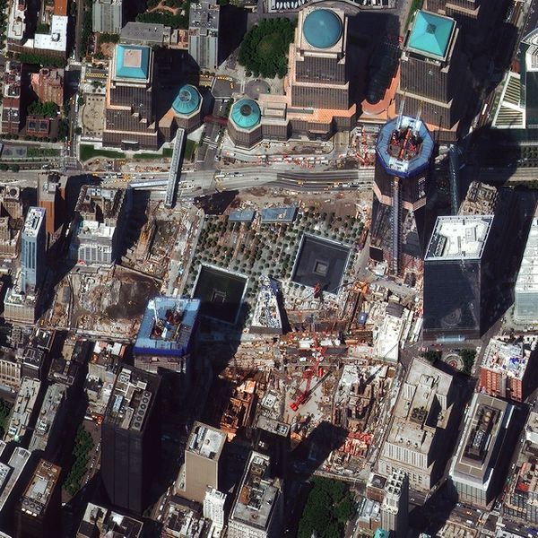 Digital-Globe---WTC---Ground-Zero---New-York---2011.jpg