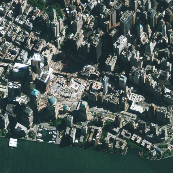 Geoeye---New-York---Ground-Zero---WTC---21-09-2010---Extrai.jpg