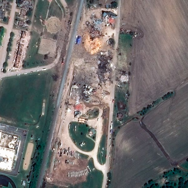 Pleiades---Waco---West---explosion-Usine-engrais---22-04-2.jpg