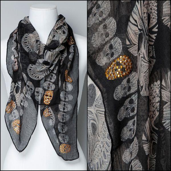 foulard-tetes-de-mort-clous-dores-Zara.jpg