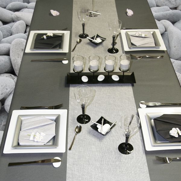 D coration de table blanc gris et noir le blog d for Deco table blanc et gris