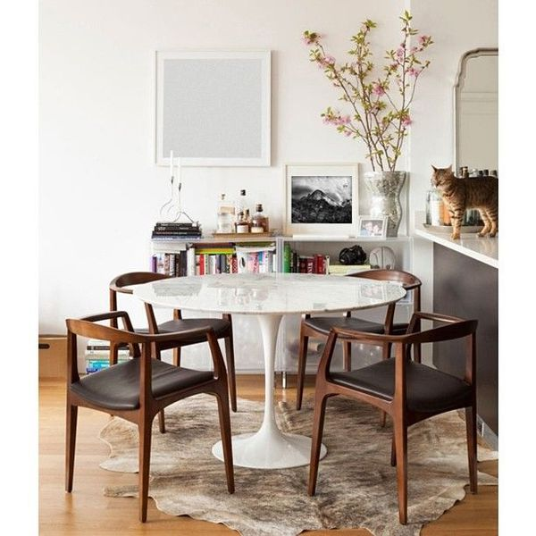 une table avec plateau marbre a part a. Black Bedroom Furniture Sets. Home Design Ideas