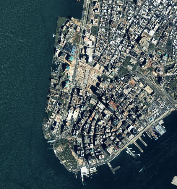 Geoeye---New-York---Ground-Zero---WTC---25-05-2007---RR25.jpg