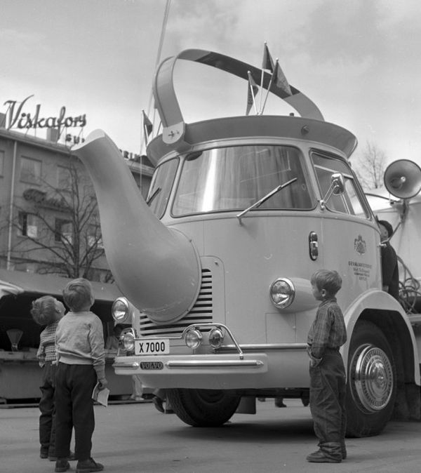 Coffee-Pot-Trucks-1-620x697.jpg