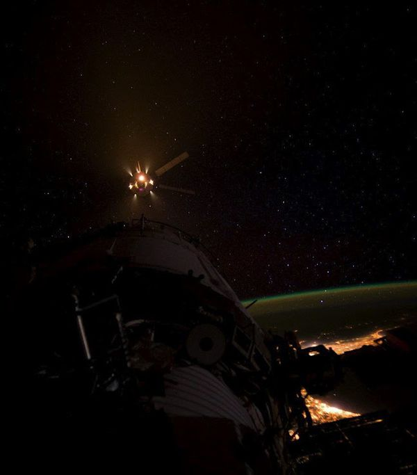 ATV-3 - don Pettit - docking - ISS - city lights - amarrage