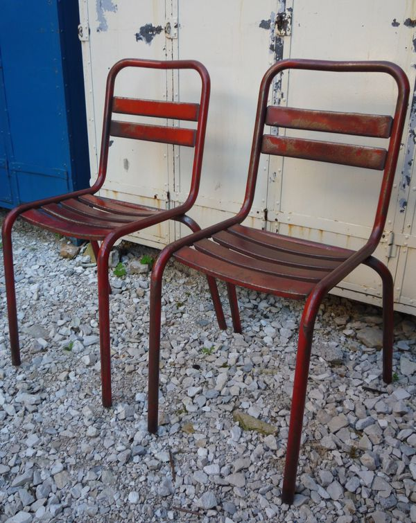 2 chaises metal lattes bistrot terrasse rouges vers 1950. Black Bedroom Furniture Sets. Home Design Ideas