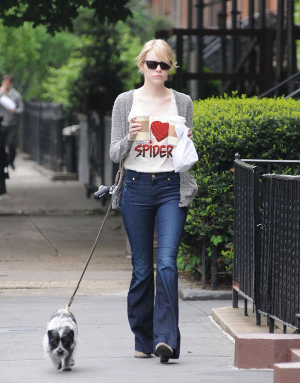 emma_stone_paparazzi-teeshirt-ilovespider-600.jpg