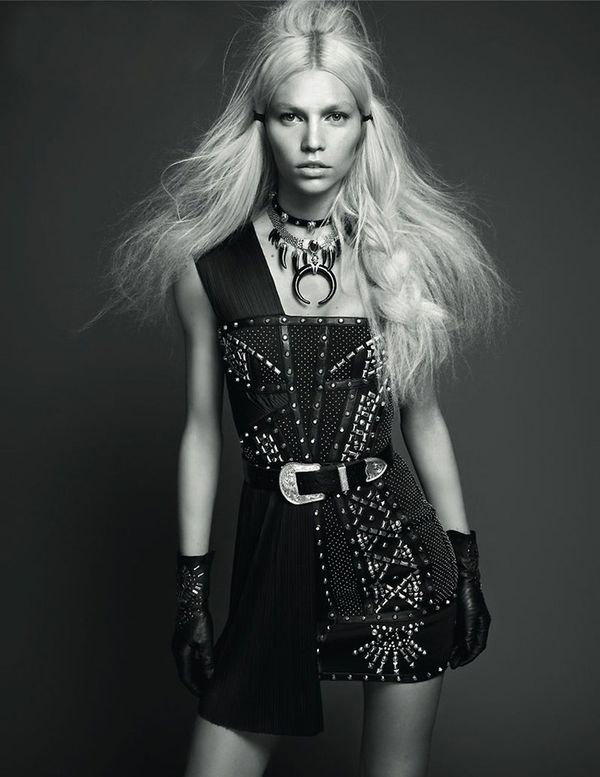 Aline-Weber-Vogue-Turkey-May-2012_9.jpg