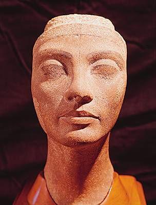 1008811-Nefertiti.jpg