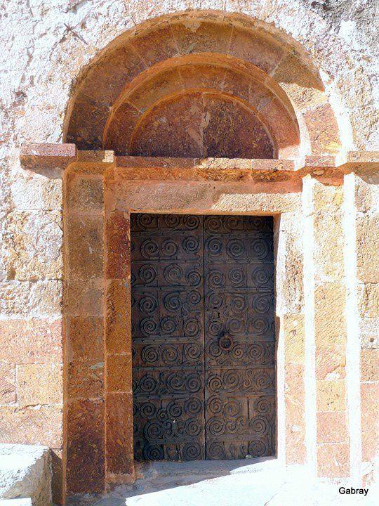 O02 - Entrée église