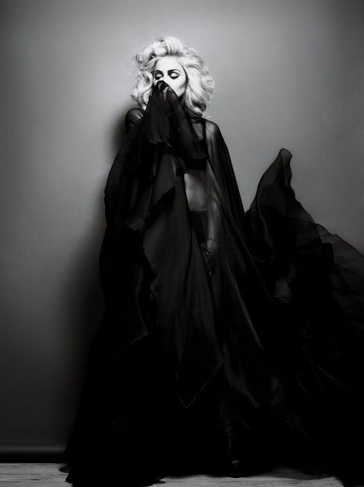 2010---Madonna-by-Alas---Piggott-for-Interview---08