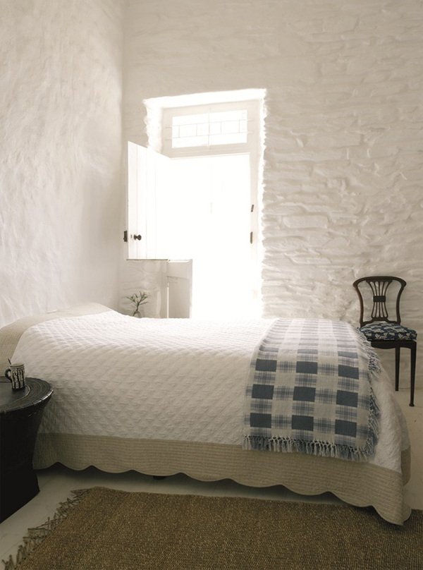 79ideas_white-house-bedroom.png