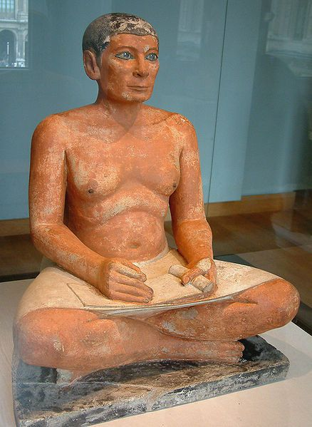Le-scribe-accroupi--musee-du-Louvre.jpg