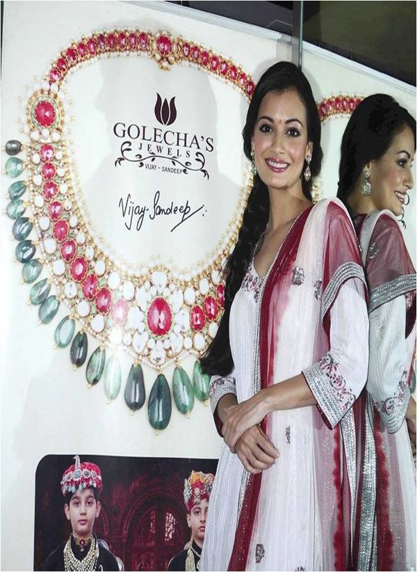 Dia Mirza lance la collection Diwali des bijouteri-copie-2