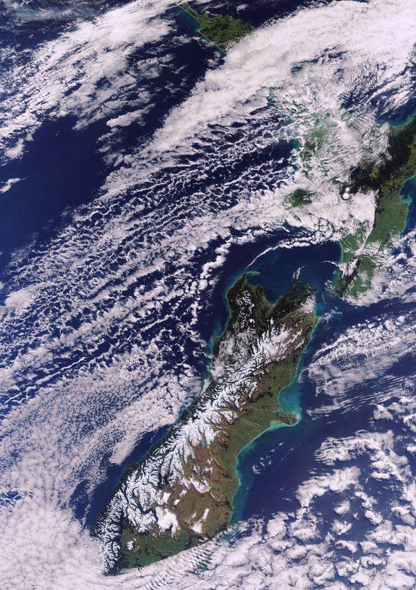 ENVISAT---MERIS---Nouvelle-Zelande---08-08-2011---22h12---R.jpg
