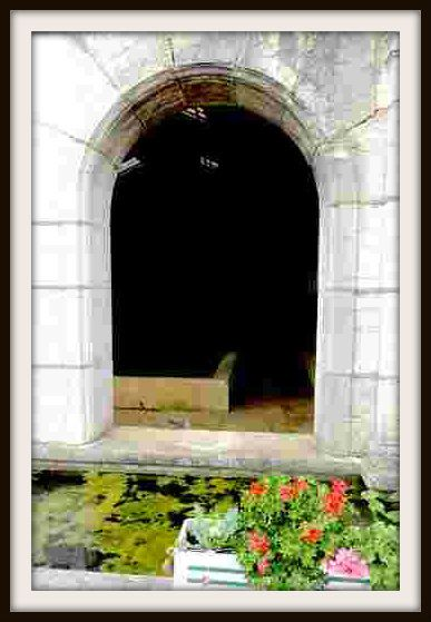6-Fontaine-lavoir---Orchamps---Jura---photo-mcp-001.JPG
