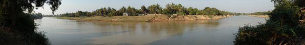 Vue panoramique de la Stung Sen à Kompong Thom