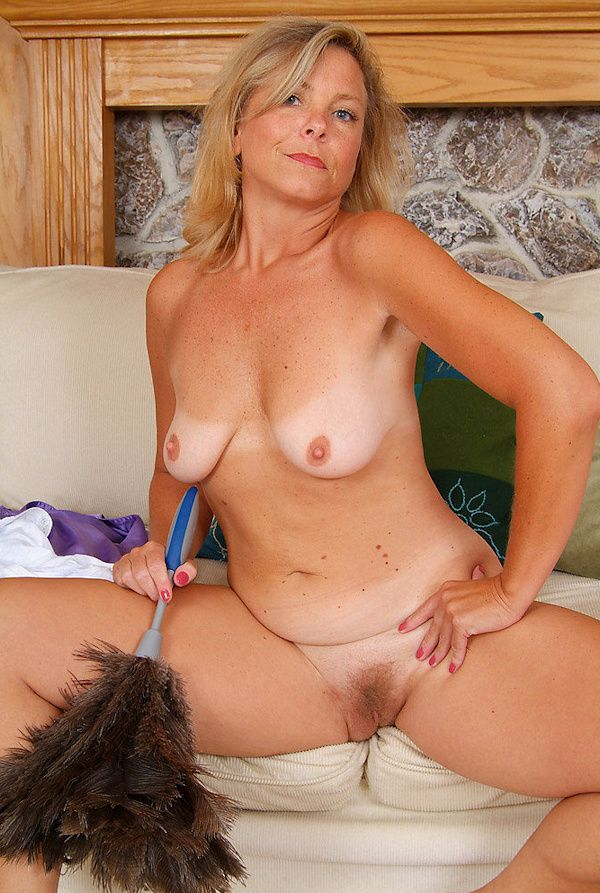 Hot milf solo squirt