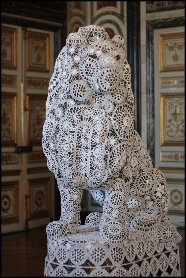 Gardes---Joana-Vasconcelos---Versailles-1.jpg