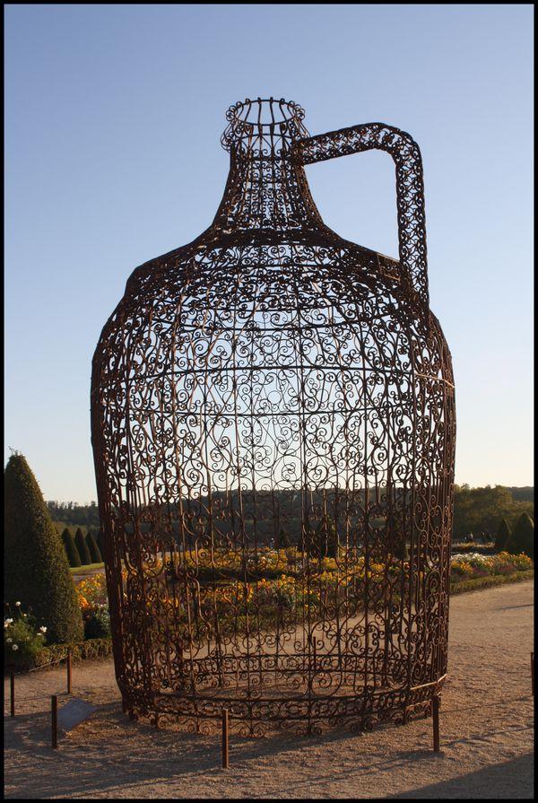 Pavillon-du-vin---Joana-Vasconcelos.jpg