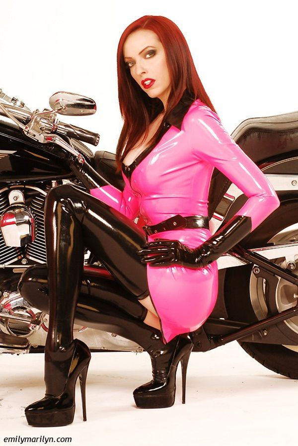 2012 biker chicks Emily Marilyn 006 emilymarilyn.com