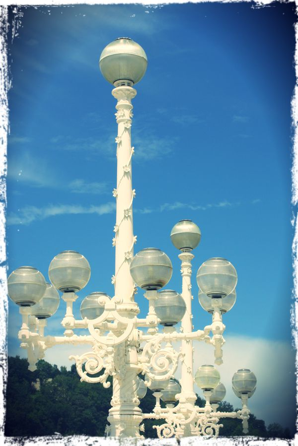Lampadaires---San-Sebastian.jpg
