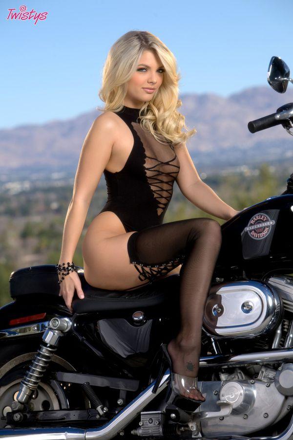 2011 girls on bikes Jana Foxy 002 twistys.com