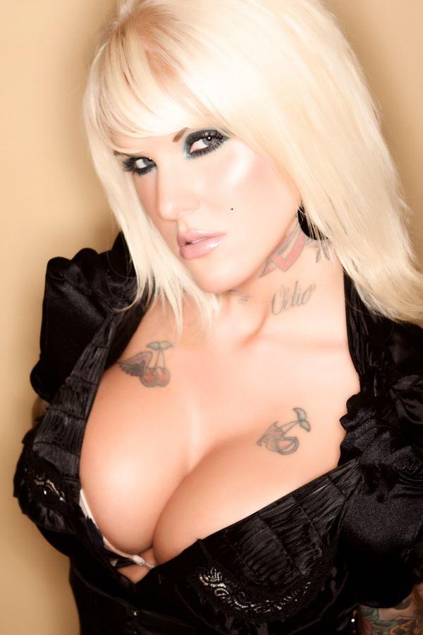 2012 inked babes Jessie DeVille 003