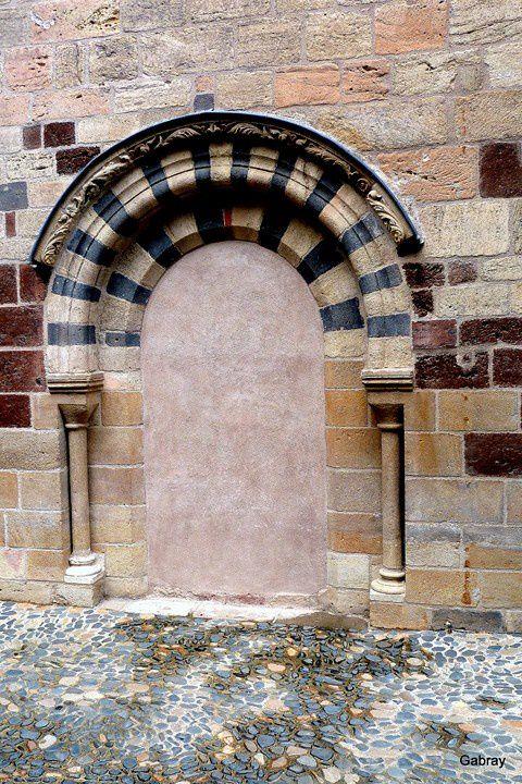 P04 - Porte murée