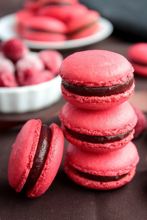 Macarons chocolat au lait &amp; Framboise