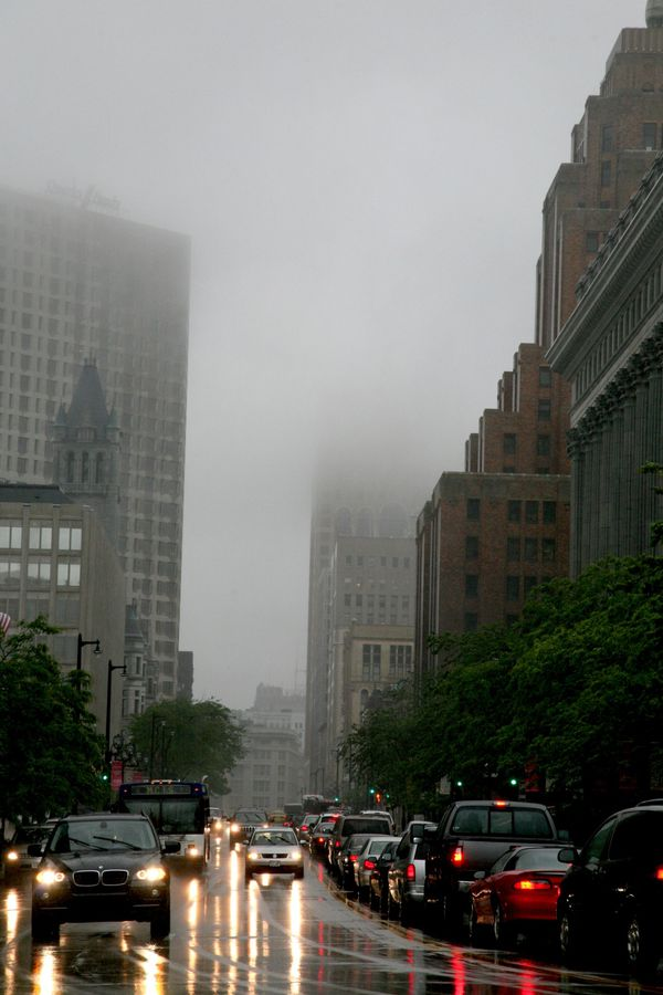 Milwaukee---Downtown---Rain 4726V